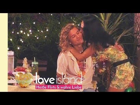 Victor und Joana entspannen in der Privat-Suite... an Julias Geburtstag!   Love Island - Staffel 2