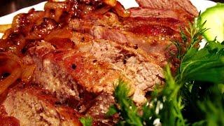 Свинина с луком на сковороде или аля-стейк из свинины за 10 минут