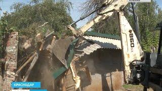 Жители Центрального округа Краснодара лишись своих гаражей(, 2015-08-21T12:32:26.000Z)