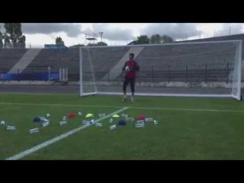 WTF ! L'entraînement bizarre de Petr Cech (avant République Tchèque-Croatie)