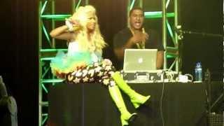 Nicki Minaj (live) - What else do Oslo know? - medley + Turn Me On - Oslo - 09-06-2012