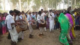 Traditional Tribal dance on Sarhul सरहुल पर्व - 2016