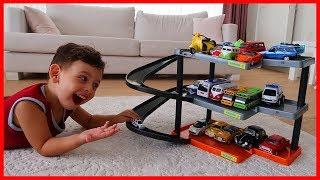 Otoparkımıza Araba Park Etme Oyunu Oynadık l Oyuncak Oynuyorum l Prens Yankı