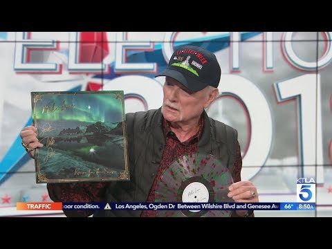 """Mike Love on """"The Beach Boys"""" Tours & his New Holiday Album """"Reason for the Season"""" Mp3"""