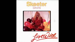 Watch Skeeter Davis Blue Kentucky Girl video