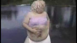 Shakira-Hips don't lie(parosia shakiry) śmiechu warte ;D