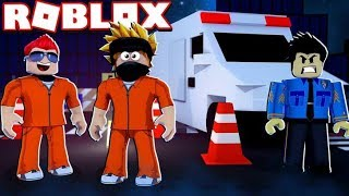 Ambulance! AND THE BEST POLICE ON THE SERVER IN ACTION! -ROBLOX