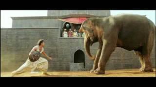 Download Lagu Jodhaa Akbar - Hrithik Roshan controls a wild Elephant HQ mp3