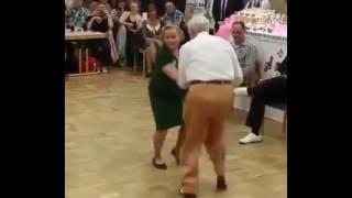 Танец  стариков прикол