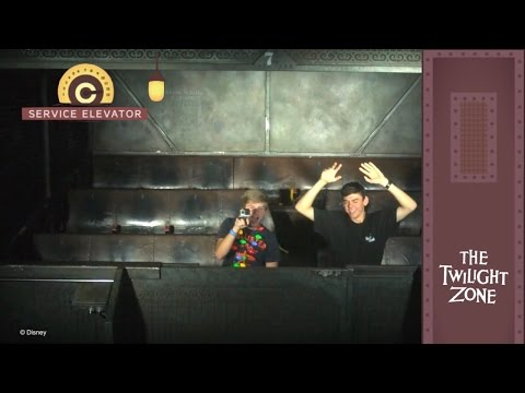 Last Riders of the night on Twilight Zone Tower Of Terror! 12 Days of Disney Parks Vlogs! (Day 6)