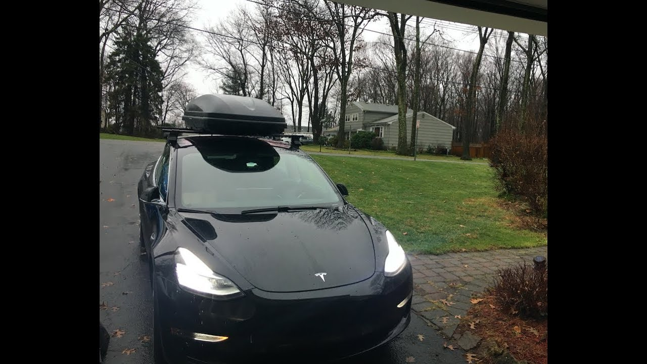 Universal Thule Roof Rails For Tesla Model 3 Youtube