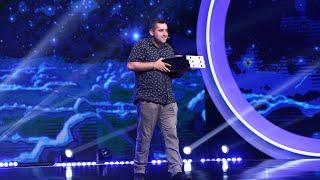 """Alexandru Hanu a adus pizza juraţilor! Mihai Bendeac: """"Cine te-a lăsat să treci de audiții?"""""""