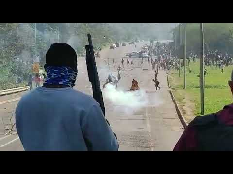 South African Citizens Shoot Rounds At Oncoming Protestors In Durban South Africa