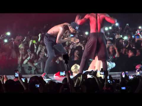 Mike WiLL Made It - 23 (ft. Miley Cyrus) / BANGERZ TOUR 2014 CHILE