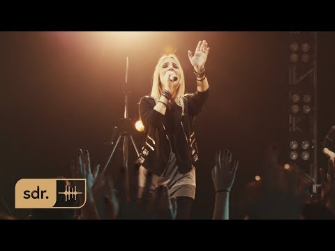 Fernanda Ferro - Céu na Terra (Ao Vivo) // DVD Céu Na Terra