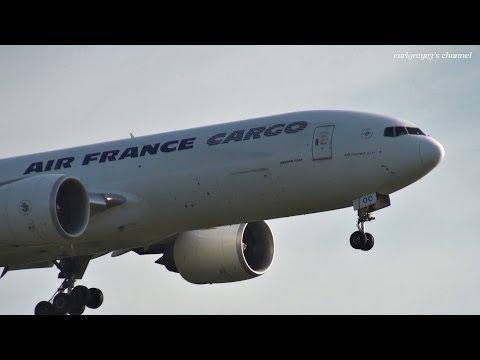 Air France (AF/AFR) Cargo Boeing 777-F F-GUOC 成田国際空港 着陸 2013.9.21