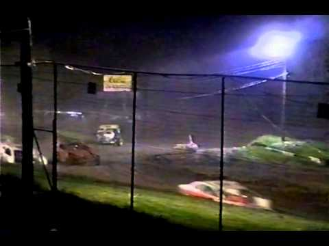 5 Mile Point Speedway dirt modified Races on 5-10 2003 following Mike Clapperton M16