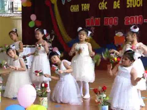 Lớp 4 múa bài Bông hồng tặng cô.flv