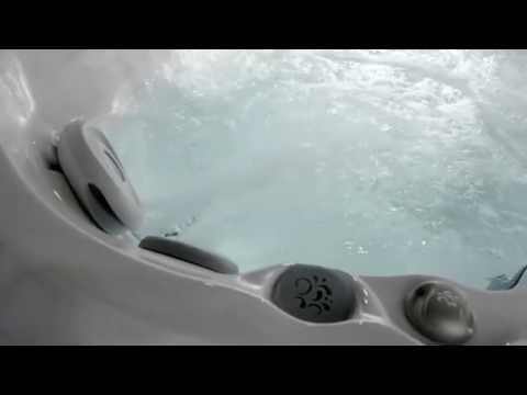 Dimensioni Vasca Da Bagno Jacuzzi : Vasche idromassaggio jacuzzi da esterno o da interno j 400 youtube