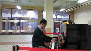 ストリートピアノ@高速神戸駅