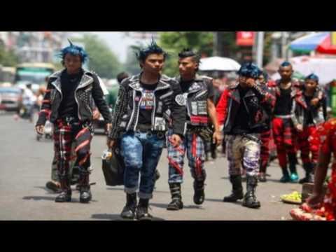 Lagu Anak Remaja Batam Masa Kini (cover Bassgilano)