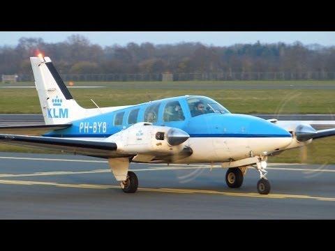 KLM Flight Academy ► Beech Baron 58 ► Takeoff ✈ Groningen Airport Eelde