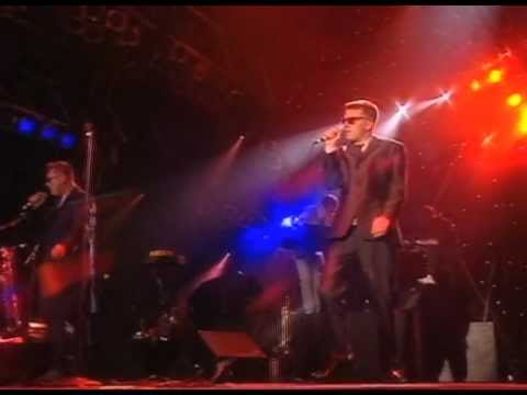Madness - It Must Be Love (Live at Madstock 1992)