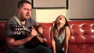 маленькая девочка поет песню Adelle ссылка для продолжения этого видео http://goo.gl/g3wlL5