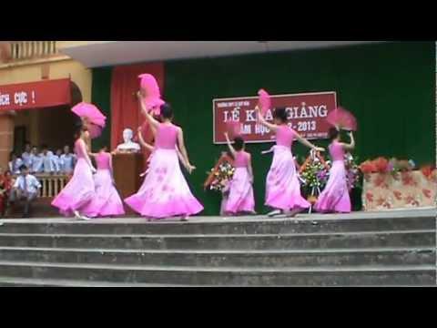 Múa sắc xuân - Khai giảng năm học 2012-2013 trường THPT Lê Quý Đôn - Trấn Yên