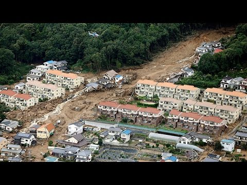 Japan : Deadly Floods hit Hiroshima after a month of Torrential Rain fell over night (Aug 20, 2014)