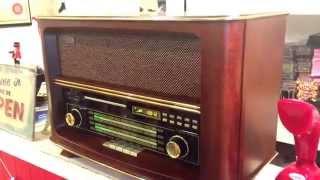 LARGE RETRO STYLE MP3/CD/RADIO WOOD MUSIC PLAYER- BRAND NEW , Audio input/ output.