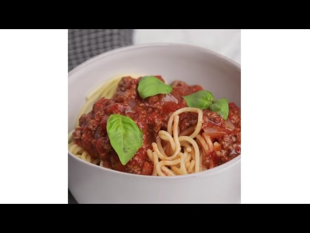 How to make Pasta with Bolognese sauce