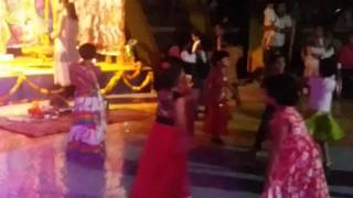 Yamunechya tiri Marathi Song performance by pandhari