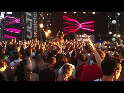 Kaskade  Raining Ultra Music Festival 2011