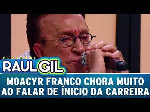 Moacyr Franco chora muito ao falar sobre seu início da carreira | Programa Raul Gil (15/04/17)