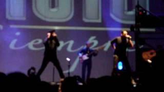 Magneto - Mira, mira, mira (concierto en la Arena Monterrey 2010)