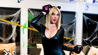 Video Halloween Costume Contest | Lele Pons download MP3, 3GP, MP4, WEBM, AVI, FLV Januari 2018
