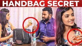 Evanukku Engeyo Macham Irukku Ashna Zaveri HANDBAG Secret Revealed | What's Inside the HANDBAG
