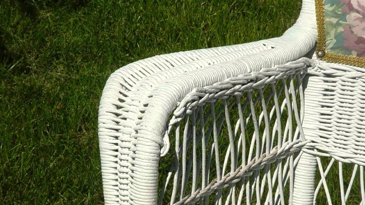 HOW TO : Paint Cane Chairs
