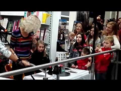 Richard Krajčo - Inzerát - Kecy,kecy,kecičky -Brno 17.11.2017