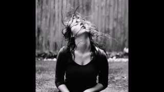 гитара - Тихо стекает дождь с ресничек(классно поёт)