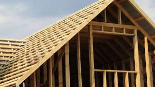 видео Многощипцовая крыша: устройство стропил, конструкция и схема