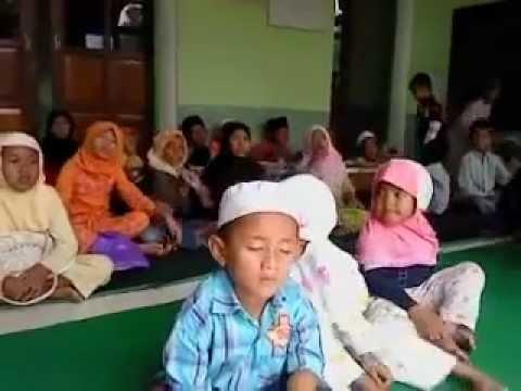 Ustadz Mabok Berat Di Ketawain Santri-santri