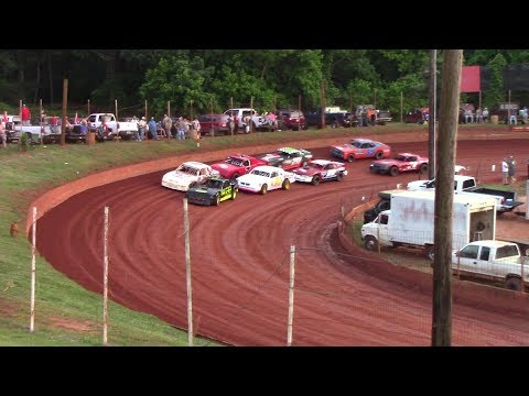 Winder Barrow Speedway Stock Eight Cylinders Feature Race 5/18/19