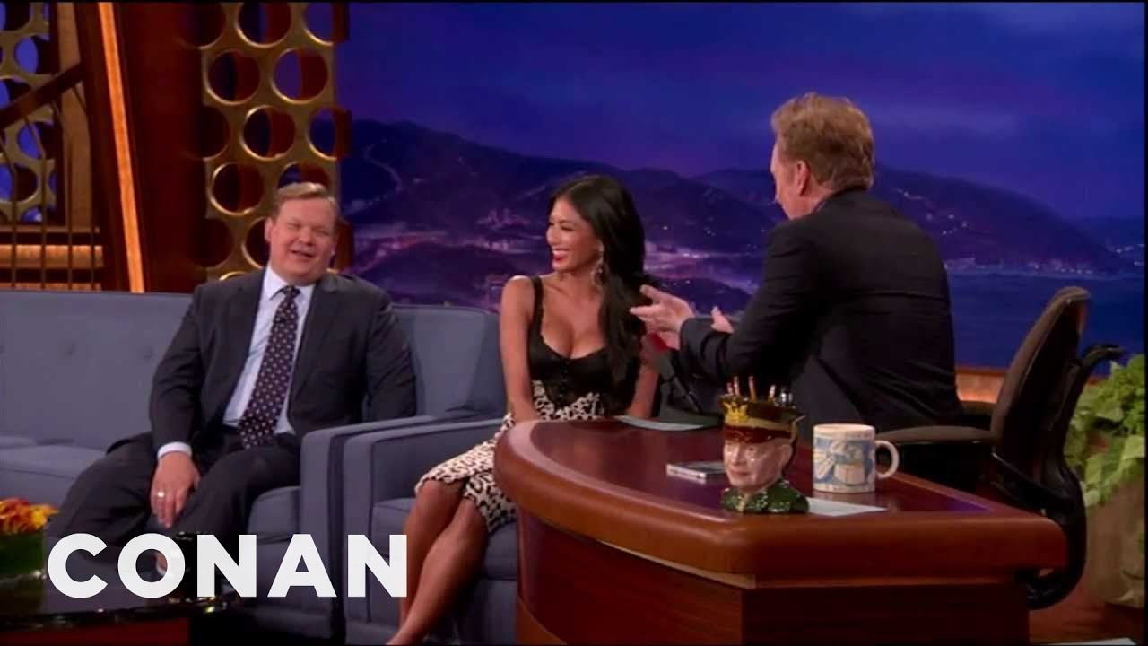nicole scherzinger busts conan for staring at her boobs - youtube