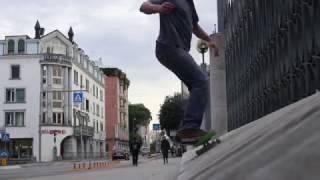PELANO- SHORT VIDEO ON STREET.
