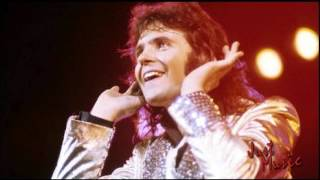 Watch David Essex Lamplight video