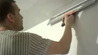 Шпаклёвка под покраску. Шпатлёвка потолка под покраску. Финишная шпаклевка(С видео Вы узнаете как шпаклевать потолок под покраску. О шпаклёвке потолка, нанесении финишной шпаклёвки..., 2014-02-01T09:11:21.000Z)