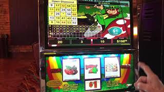 VGT Lucky Leprechaun Slots $10.00 Max Bet Red Screen Christmas Tree & Arrowhead Pattern
