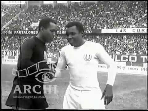 Clásico Alianza Lima  - Universitario de Deportes (2 -1). Estadio Nacional 8 agosto 1971.